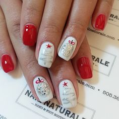"172 Likes, 5 Comments - Cindi Tucker (@nailnaturale) on Instagram: ""Christmas nails #christmasnailart #holidaynails #beautifulnaturalnails #noacrylic #nailartideas…"""