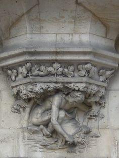 Architecte Georges Biet, vitraux de Jacques Gruber Détail des sculptures.Maison Alphonse Gaudin (1899) Nancy. France