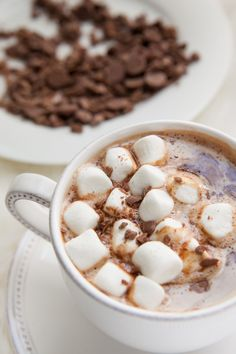 As we take into the colder season, one of my favorite things to do is to bundle up by a cozy fire place and sip hot chocolate…spiked! RECIPE: Spiked Hot Chocolate You will need: - 4 oz. Menta Chocolate, Spiked Hot Chocolate, Chocolate Caliente, Hot Chocolate Recipes, Chocolate Bourbon, White Chocolate, Yummy Drinks, Yummy Food, Sweet Tooth