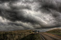Scary Storm Clouds | Stormchasing: Scary clouds over the highway