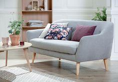 EGEDAL sofa, LEJRE sofabord, KALBY reol / bokhylle.   Skandinaviske hjem, nordisk design, Nordic Retro, Skandinavisk design, nordiske hjem, retro   JYSK