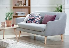 EGEDAL sofa, LEJRE sofabord, KALBY reol / bokhylle. | Skandinaviske hjem, nordisk design, Nordic Retro, Skandinavisk design, nordiske hjem, retro | JYSK