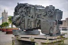 'Head of Invention' by Eduardo Paolozzi, rear view Industrial Sculptures, Eduardo Paolozzi, James Rosenquist, 7th Grade Art, Installation Architecture, Claes Oldenburg, Jasper Johns, Pop Design, Design Museum