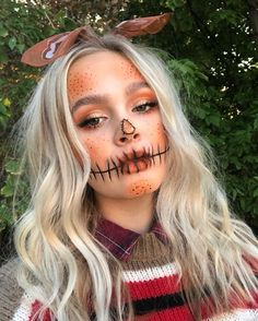 45 Spooky Halloween Makeup Ideas To Try This Year makeup 45 Spooky Ha. 45 Spooky Halloween Makeup Ideas To Try This Year makeup 45 Spooky Ha. Scarecrow Halloween Makeup, Photo Halloween, Halloween Makeup Looks, Costume Halloween, Halloween Ideas, Halloween Costumes Scarecrow, Scary Halloween, Halloween Costumes Brunette, Scarecrow Face Paint