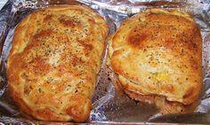 Peace, Love, and Veggies: Crazy Good Calzones Empanadas, Homemade Calzone, Calzone Recipe, Entree Recipes, Dinner Recipes, Crockpot Recipes, Cooking Recipes, Easy Recipes, Main Meals
