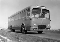 Black White Photos, Black And White, Bus Coach, Classic Motors, Busses, Old Trucks, Fiat, Automobile, Cars