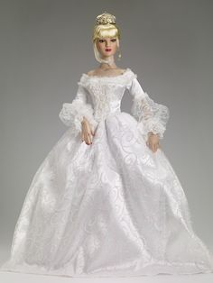 "#pinned The Glass Slipper Outfit - Expected to arrive 5/2 - Tonner 22"" American Models $249.99 #dollchat ^kv"