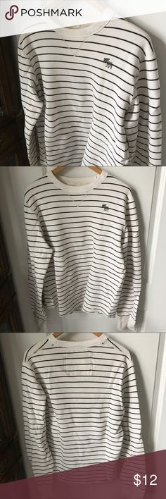 Men's Striped Long-Sleeved Abercrombie Shirt Men's Striped Long-Sleeved Abercrombie Shirt, Large, 100% Cotton, Original tag on back side of neck area removed for added comfort - otherwise, in excellent condition with no flaws. Abercrombie & Fitch Shirts Tees - Long Sleeve