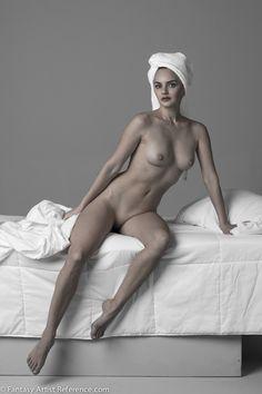 Irina in a figure study set.