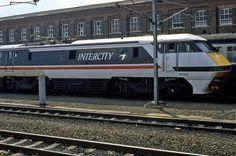 British Rail Intercity 91017 - Doncaster, via Flickr. Electric Locomotive, Diesel Locomotive, Steam Locomotive, Uk Rail, Electric Train Sets, High Speed Rail, Hobby Trains, British Rail, Train Pictures