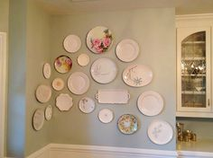 How to Hang Plates on a Wall Using Duct Tape!