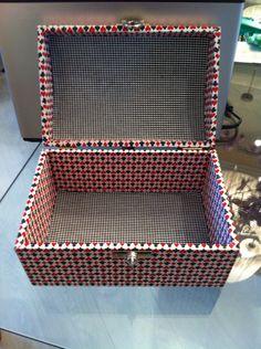 Caixa de madeira forrada com tecido jogos