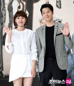 """Lee Dong-geon and Jo Yoon-hee started seeing each other since February. They met in the KBS 2TV drama """"The Gentlemen of Wolgyesu Tailor Shop"""". This happened not long after Lee Dong-geon broke up with Ji-yeon from T-ara. Lee Dong-geon and Jo Yoon-hee registered themselves husband and wife on the 2nd of May and Jo Yoon-hee announced that she was pregnant."""
