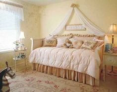 Swag over daybed idea for Ginger Peach...