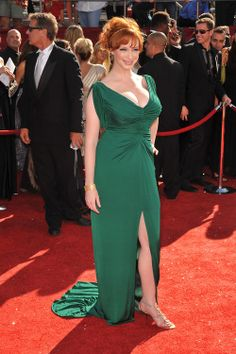 TV star Christina Hendricks brought sexy back Beautiful Christina, Beautiful Redhead, Beautiful Celebrities, Beautiful Eyes, Cristina Hendrix, Jolie Lingerie, Christina Hendricks, Up Girl, Green Dress