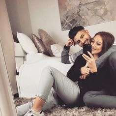Pin by larisa faraon on couple goals Relationship Goals Tumblr, Couple Relationship, Cute Relationships, Couple Goals Teenagers Pictures, Cute Couple Pictures, Romantic Couples Photography, Couple Photography Poses, Cute Muslim Couples, Cute Couples Goals