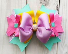 Check out our summer hair bow selection for the very best in unique or custom, handmade pieces from our shops. Diy Ribbon, Ribbon Crafts, Ribbon Bows, Toddler Hair Bows, Baby Hair Bows, Ribbon Hair Clips, Flower Hair Clips, Spring Hair, Gift Bows