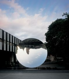 Anish Kapoor - Sky Mirror, stainless steel, diameter at Public Square, Nottingham See more Anish Kapoor posts here. Anish Kapoor, Nottingham, Museum Of Contemporary Art, Contemporary Artists, Distortion Art, Venice Biennale, Art For Art Sake, Mirror Image, Public Art