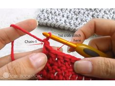 Crochet Border Stitch The Crab Stitch Crochet Stitch Video Tutorial - What is the crab stitch you ask? Only the easiest crochet border stitch ever. I tend to only use this for a border in crochet because of the way it works up. Crochet Blanket Edging, Crochet Lace Edging, Crochet Beanie Pattern, Crochet Quilt, Easy Crochet, Crochet Stitches, Free Crochet, Knit Crochet, Crochet Patterns