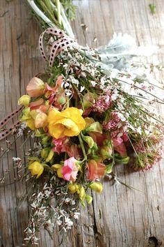Wedding Flowers: Wildflowers | Intimate Weddings -DIY Wedding Ideas for Small and Intimate Weddings - Real Small Weddings