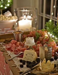Nora Murphy Country House Holiday 2015 A lifestyle magazine rich in the details of Country House living – decorating, gardening, entertaining, and recipes. Wine And Cheese Party, Wine Tasting Party, Wine Cheese, Wine Parties, Antipasto, Cheese Display, Fromage Cheese, Tapas, Cheese Platters