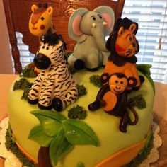 Jungle Cake with Fondant Figures