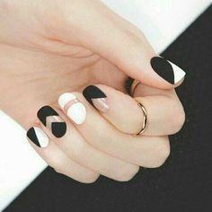 Imagem de nails, white, and black