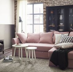 Le canapé #HOLMSUND pour passer des moments cosy au salon  #IKEAHome #IKEA #Ikeafrance #deco #decoration #inspiration#design #homedeco #canapérose