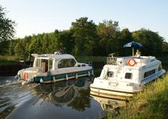 Go boating on the French canals for a truly relaxing holiday ©Alice and Ray Kershaw Boating Holidays, Relaxing Holidays, France 1, Canal Boat, France Travel, Summer Travel, Britain, North America, River
