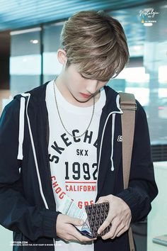 Nct Winwin, Big Group, King Of Hearts, Entertainment, Pretty Baby, Kpop, Airport Style, Boyfriend Material, K Idols