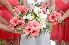 Pretty Gerbera Daisies for the bridesmaids bouquets - note the lilies in the bridal bouquet. Daisy Bouquet Wedding, Bridal Bouquet Coral, Fall Wedding Bridesmaids, Bridesmaid Bouquets, Wedding Coral, Bridal Flowers, Dream Wedding, November Wedding Flowers, Country Wedding Flowers