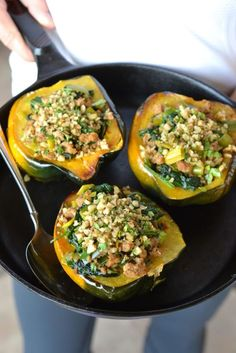 Acorn Squash Stuffed with Spinach, Turkey and Leeks - paleo, whole30