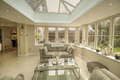 This stunning Orangery in Wokingham, Berkshire has replaced an older conservatory and opened up the kitchen and dining area in to an impressive, light-filled space. Kitchen Extension Family Room, Orangery Extension Kitchen, Orangerie Extension, Kitchen Orangery, Conservatory Dining Room, Open Plan Kitchen Living Room, House Extension Design, House Design, Extension Ideas