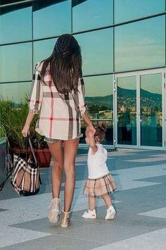 Découvrez ces magnifiques clichés où des mamans ont décidé d'habiller leurs enfants comme elles !