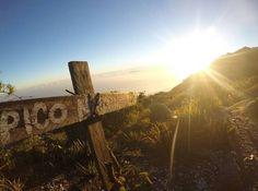 Próxima parada Pico Naiguatá!! únete a nuestra #XperienciaNaiguata con 2765 msnm un trekking al pico más alto de la cordillera de la costa (El avila) con servicios y atención de primera. Incluye: Carpas Comidas Guías alquiler de slepping y asesoría completa para que tengas mejor Xperiencia. FECHA disponible: 28 al 30 de Octubre. Reservaciones: turistukeando@gmail.com Info@turistukeando.com  Whatsapp: 58 412 7050963 58 414 1542963/ 58 412 3926913  http://ift.tt/1iANcOy   #ViajoLuegoExisto…
