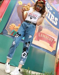Disneyland Outfit Ideas 2019 - This is one of my favorite Disney outfits EVER. It actually sparked my interest Disneyland Outfit Ideas 2019 - This is one of my favorite Disney outfits EVER. It actually sparked my interest . Disney World Outfits, Cute Disney Outfits, Disney Themed Outfits, Disney Fashion, Disney Clothes, Cute Disney Stuff, Cute Disney Shirts, Disney Inspired Fashion, Disney Mode