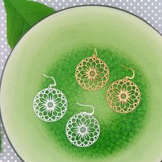 LAVISHY designs & wholesale original & beautiful applique bags, wallets, pouches & accessories for gift shop/boutique buyers in USA, Canada & worldwide. Filigree Earrings, Flower Earrings, Gift Shops, Clothing Boutiques, Makeup Pouch, Boutique Shop, Online Shopping, Plating, Fashion Accessories