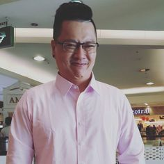 Nice to meet u and thx for supporting. See u this Sat.  #pastelmenswear #pastel #fashion #instrafashion #mensclothing #mensstyle #menswear #menschic #styleoftheday #styleformen #style #tailorshop #tailor #bangkokfashion #bangkok #shirt #work #monday #blazer #suitset #fabrics #tgif  #shortpant #oxfordshirt #shirt #trouser  #fabrics #gq #dapper  #dapperman #taxedo by pastelmenswear