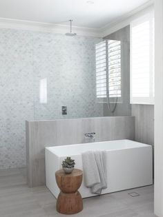 15 stunning bathrooms with no white tiles Restrained and gorgeous, the fish scale marble feature wall paired with soft grey floor and wall tiles are understated and elegant - Marble Bathroom Dreams Bathroom Layout, Bathroom Interior Design, Bathroom Goals, Bathroom Ideas, Bathroom Inspo, Interior Modern, Restroom Ideas, Bathtub Ideas, Tile Layout