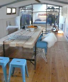 houseboat amsterdam. AMSTEL 156 architecten: Loftboot >> Oh this is nice, like the frosted glass.