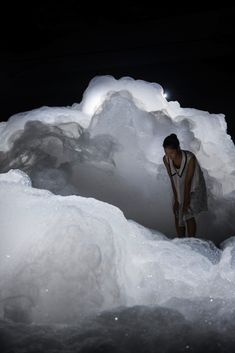 Foam is a spectacular installation by Japanese artist Kohei Nawa that transforms a room into a magical scene, making it seem as though visitors are walking up on the clouds. Unveiled at the Aichi Triennale 2013, the artist's piece offers a dreamy landscape in an otherwise pitch-black room. The Osaka-born, Kyoto-based artist creatively transports viewers to an alternate universe without ever having to physically move them. Instead, he forces visitors to tap into their own imagination.