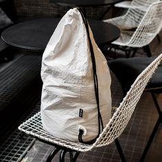 Plecak z tyveku w dużym wydaniu to idealne rozwiązanie dla ludzi praktycznych
