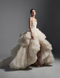 Atelier Krikor Jabotian takes pride in its refined craftsmanship and use of opulent fabrics to create a timeless message of heritage, style, tradition and innovation. Wedding Dress Sketches, Types Of Gowns, Fancy Gowns, Ball Gowns Evening, Couture Dresses, Beautiful Gowns, Dream Dress, Types Of Fashion Styles, Couture Fashion