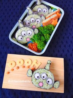 Little Miss Bento Little Green Men Sushi Art Roll - Wow! Wish I could make sushi art rolls just so I could put this in my son's lunch.
