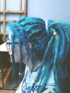 I love coloured dreads but I dunno! I love coloured dreads but I dunno! Dyed Dreads, Dreadlocks Girl, Locs, Dreadlock Hairstyles, Cool Hairstyles, Dreads Styles, Hair Styles, Colored Dreads, Beautiful Dreadlocks