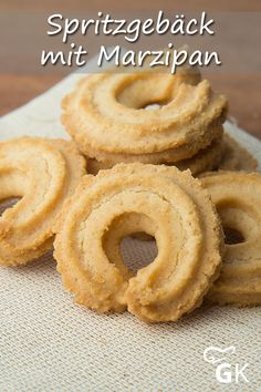 Almond Paste, Onion Rings, Bakery, Food And Drink, Xmas, Sweets, Cookies, Ethnic Recipes, Desserts