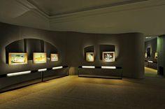 Allestimento di supporti e teche per ospitare lettere autografe del pittore e corredare ogni opera esposta, oltre che della scheda che riporta titolo e note tecniche, delle parole di Vincent Van Gogh che la descrivono o ne raccontano l'origine http://tosettoallestimenti.com/mostra-van-gogh-milano/
