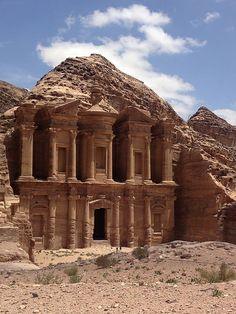Nice Petra Jordan photos - Find the latest news about Israel, the Syria civil war and the Middle East at http://www.israelnewsreport.net/nice-petra-jordan-photos-27/. Petra is thought by many people to be the sanctuary for the people of Israel during the last days.