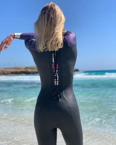 Triathlon Wetsuit, Swimming Diving, Womens Wetsuit, 4th Of July Outfits, Swimsuits, Swimwear, Second Skin, Fitness Models, Fashion Outfits