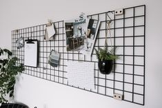 Make your own DIY Metal Wall Grid to help organize your office and home! This nordic inspired black wire organizer is a gorgeous statement piece! Love the idea of styling this piece with plants, home ideas, and pictures to make a beautiful vision board! Metal Wall Grid, Metal Walls, Office Walls, Desk Office, Office Shelving, Diy Pared, Photo Deco, Home Office Space, Metal Shelves